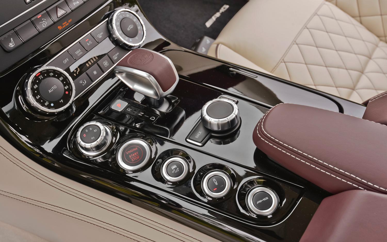 Mercedes Benz SLS AMG GT gearshift Mercedes Benz SLS 63 AMG