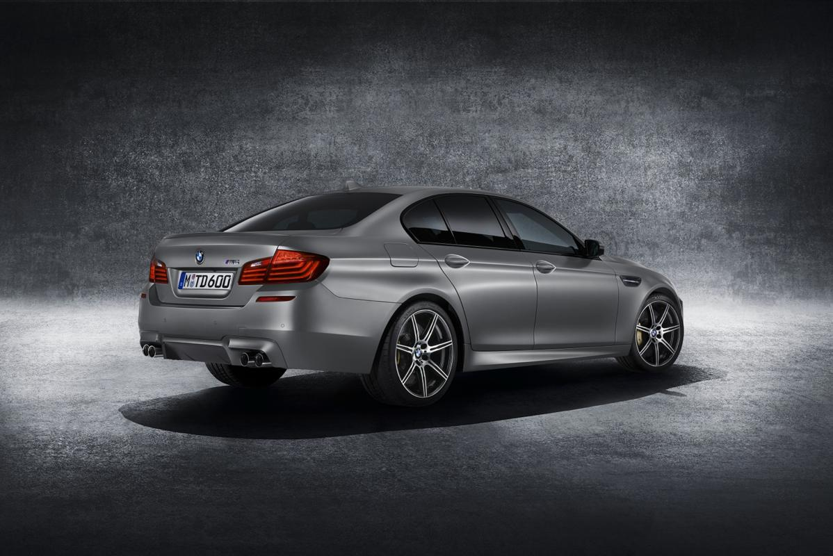 m5 rear 30 years of the BMW M5