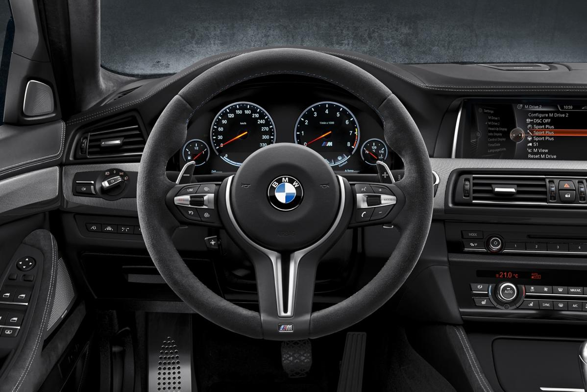 m5 steering 30 years of the BMW M5