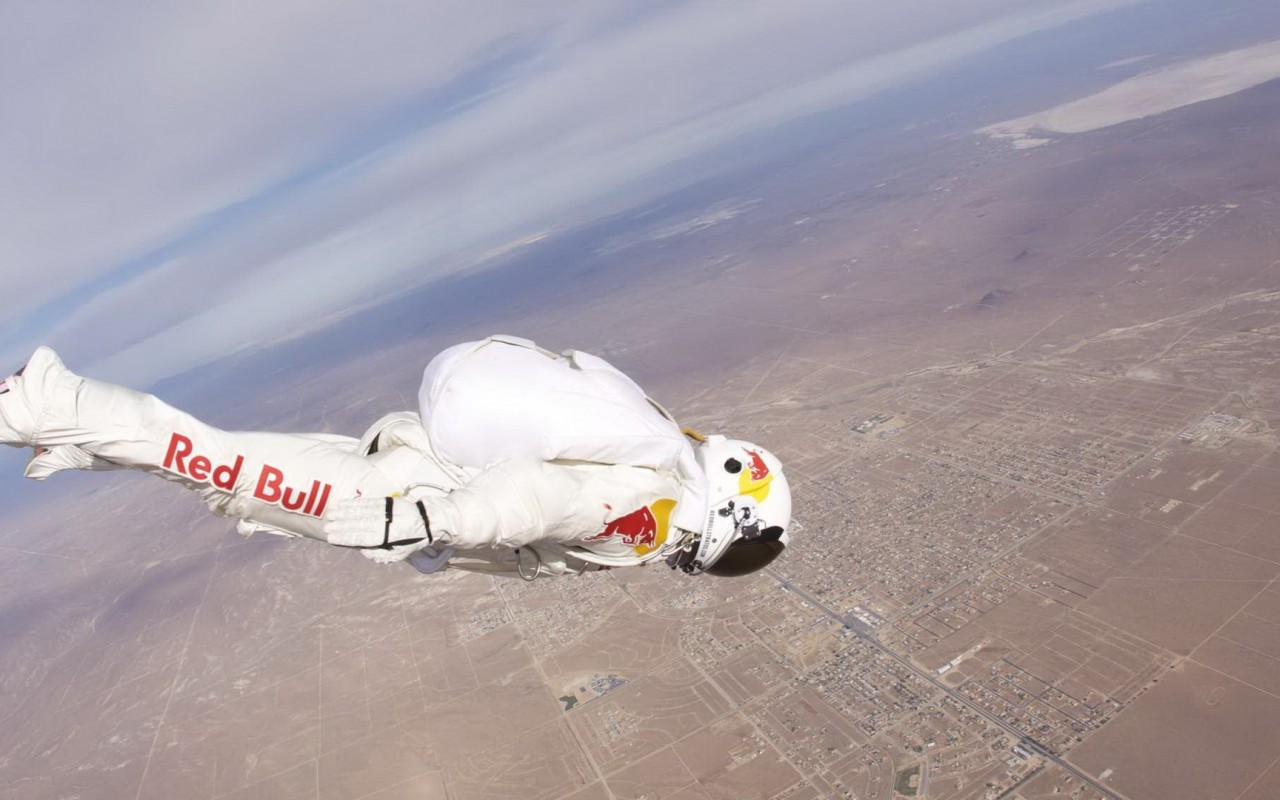 bull base jumping jump felix baumgartner stratos 1280x800 42798 Base jumping